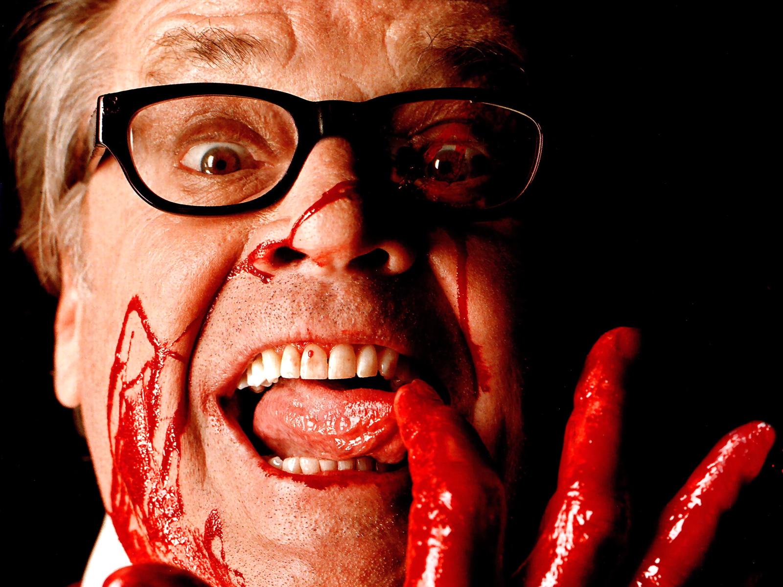 Как сделать так чтобы изо рта пошла кровь