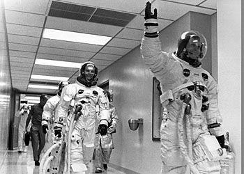 Скафандр: Создание Аполлона