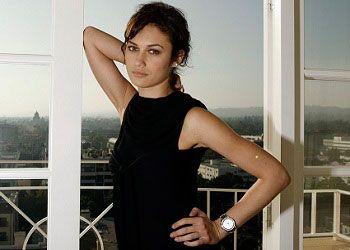 Ольга Куриленко на балконе
