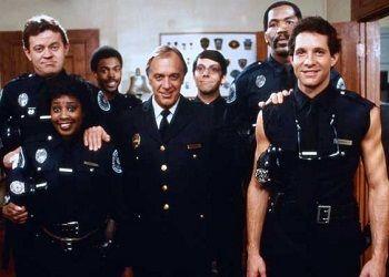 кадр из полицейской академии