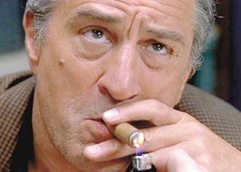 Роберт Де Ниро с сигарой