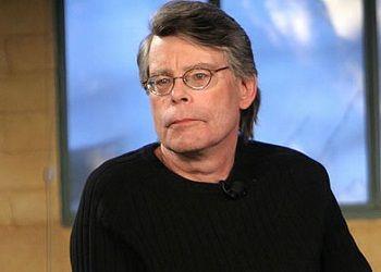 Стивен Кинг в свитере