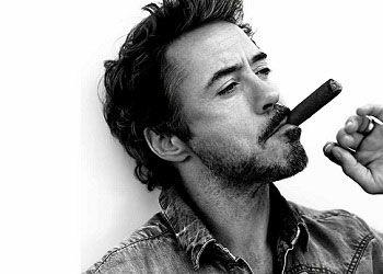 Роберт Дауни мл. с сигарой