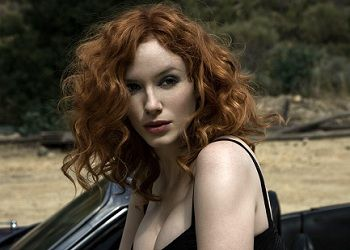 Кристина Хендрикс в машине
