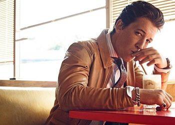 Майлз Теллер в кафе