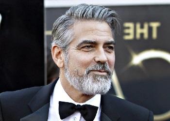 Джордж Клуни в костюме